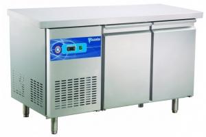 Стол холодильный на 2 двери с бортом CCT-2S