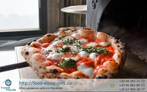 Пицца прямо с печи